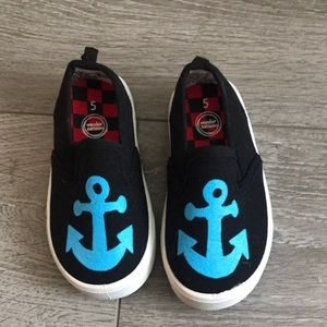 Anchor slip ons size 5